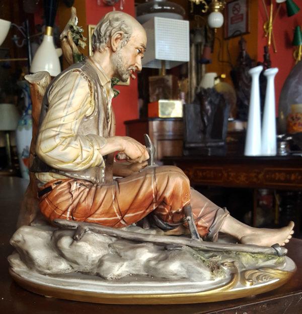 Statua di Capodimonte Napoli raffigurante un contadino originale
