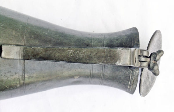 Pischè in peltro 1761