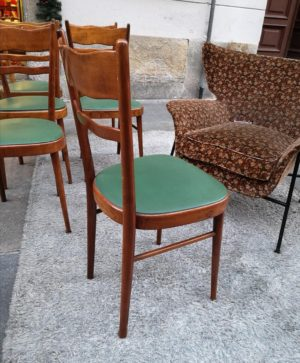 sedie in legno d'epoca arredamento antiquariato con seduta verde dettaglio