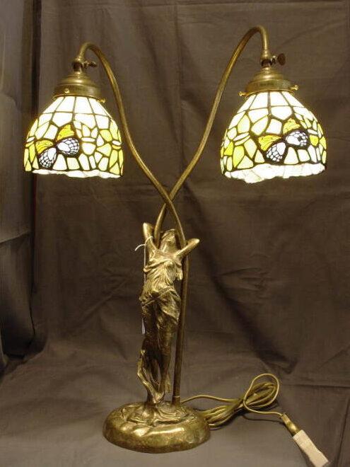 Lampada Due Luci Da Tavolo Tiffany Con Damina 1solo Com Pezzi Unici Per Definizione