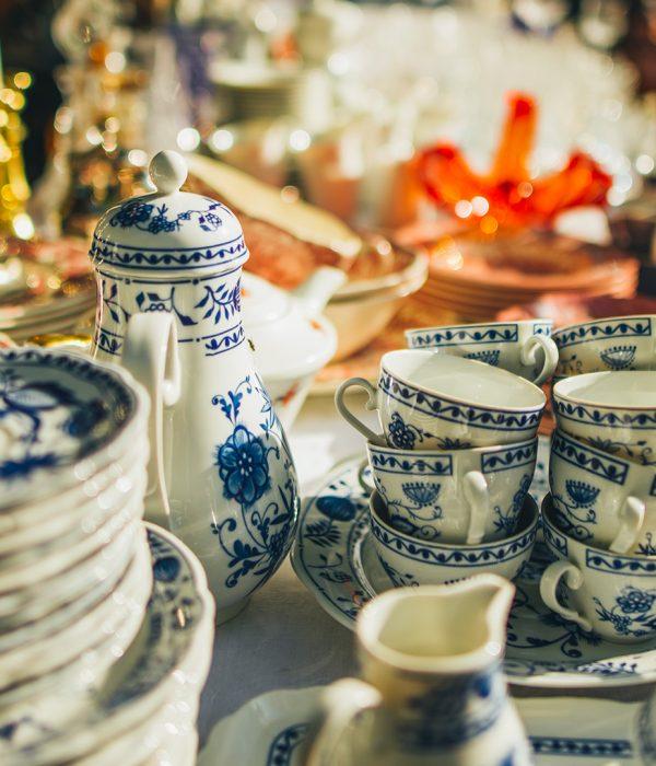 Pods antique piatti tazzine antiche